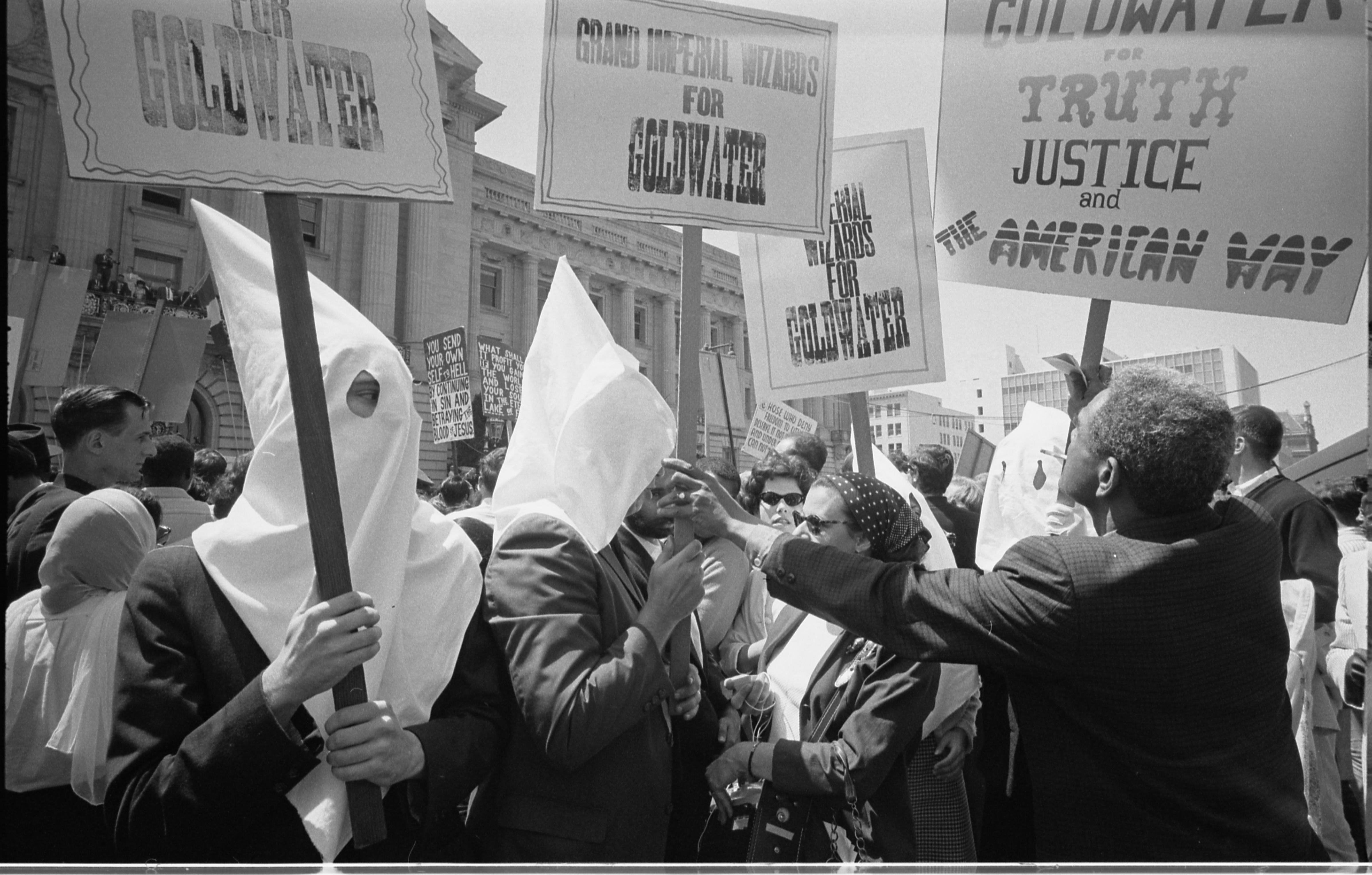 Ku Kux Klan con Goldwater